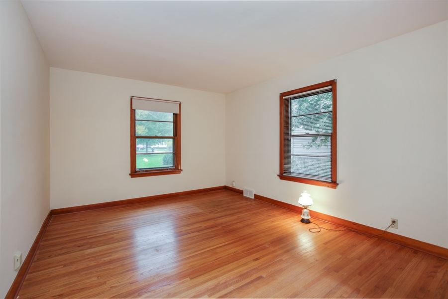 Real Estate Photography - 100 S. Alfred Ave., Elgin, IL, 60123 - 2nd Bedroom