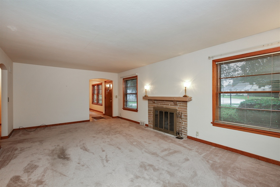 Real Estate Photography - 100 S. Alfred Ave., Elgin, IL, 60123 - Living Room