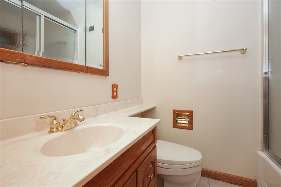 Real Estate Photography - 100 S. Alfred Ave., Elgin, IL, 60123 - Bathroom