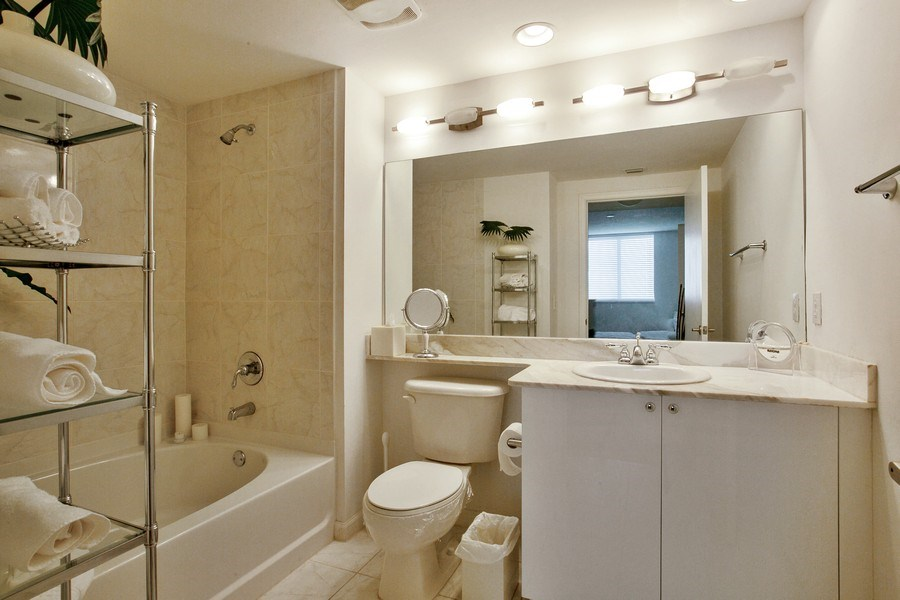 Real Estate Photography - 2775 NE 187th Street, 414, Aventura, FL, 33180 - Master Bathroom