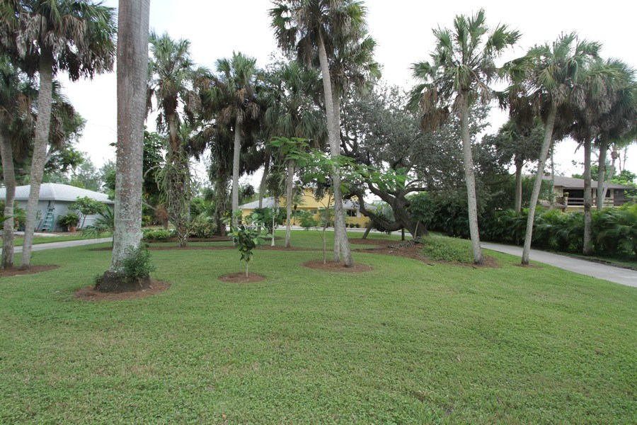 Real Estate Photography - 7146 Shannon Blvd, Fort Myers, FL, 33908 - Front Yard