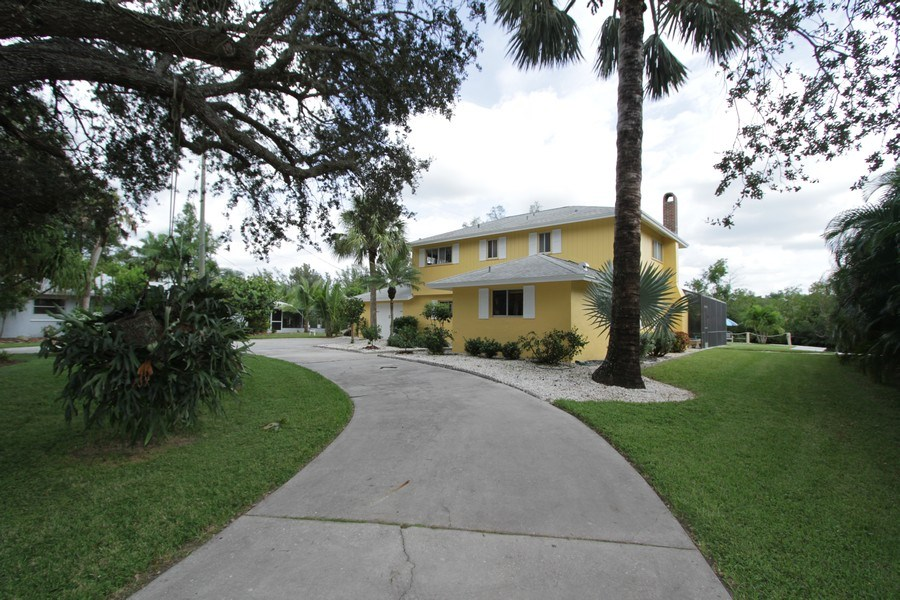 Real Estate Photography - 7146 Shannon Blvd, Fort Myers, FL, 33908 - Front View