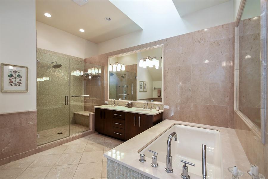 Real Estate Photography - 521 Durham Drive, Frankfort, IL, 60423 - Master Bathroom