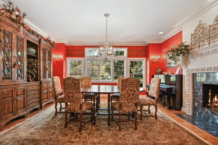 Real Estate Photography - 521 Durham Drive, Frankfort, IL, 60423 - Dining Room