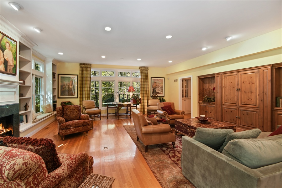 Real Estate Photography - 521 Durham Drive, Frankfort, IL, 60423 - Great room