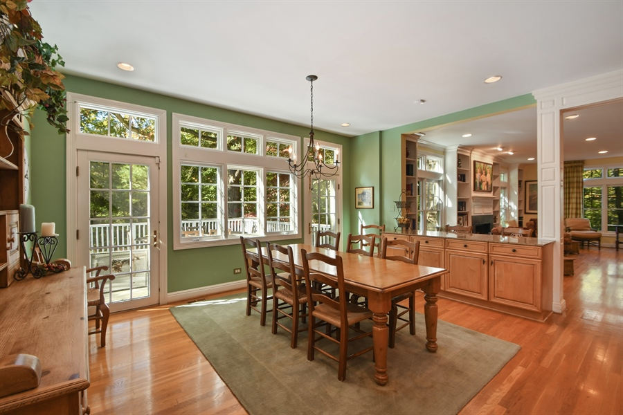 Real Estate Photography - 521 Durham Drive, Frankfort, IL, 60423 - Kitchen Eating Area