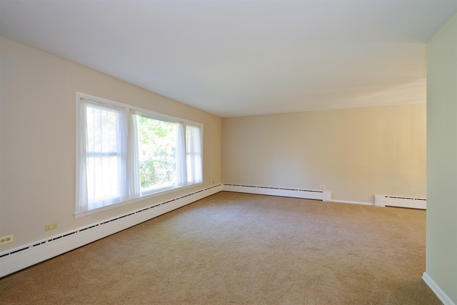 Real Estate Photography - 616 Harvard St, Wilmette, IL, 60091 - Living Room