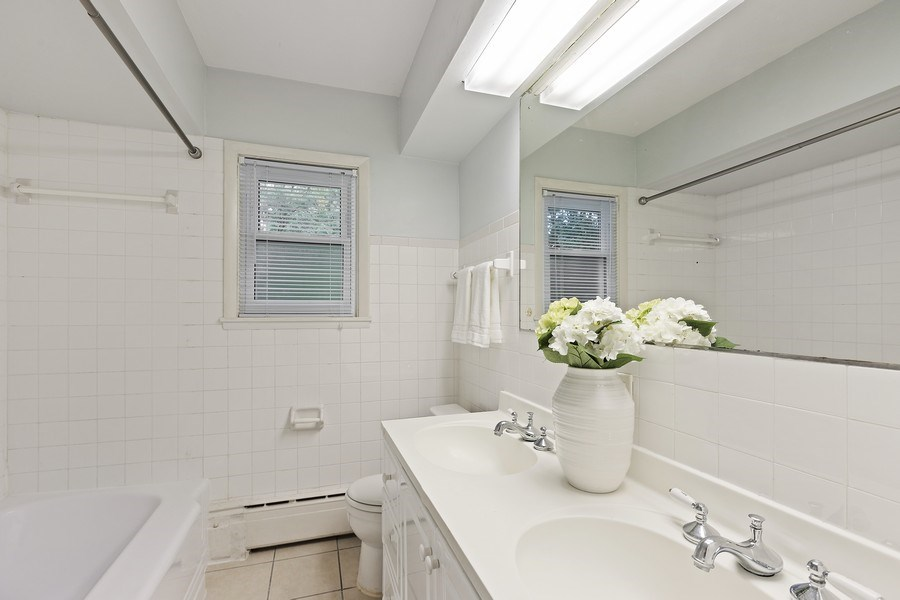 Real Estate Photography - 616 Harvard St, Wilmette, IL, 60091 - Shared Master Bath - 2nd Floor