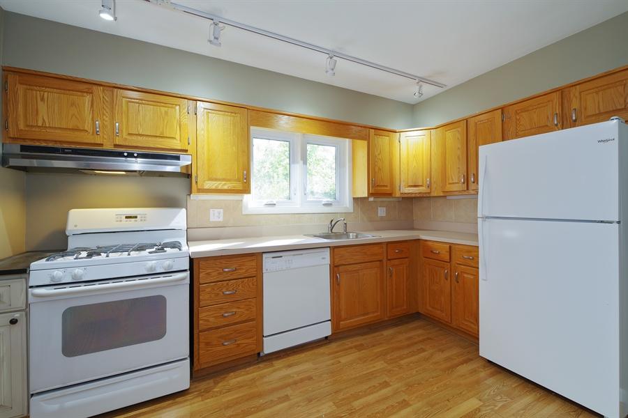 Real Estate Photography - 616 Harvard St, Wilmette, IL, 60091 - Kitchen