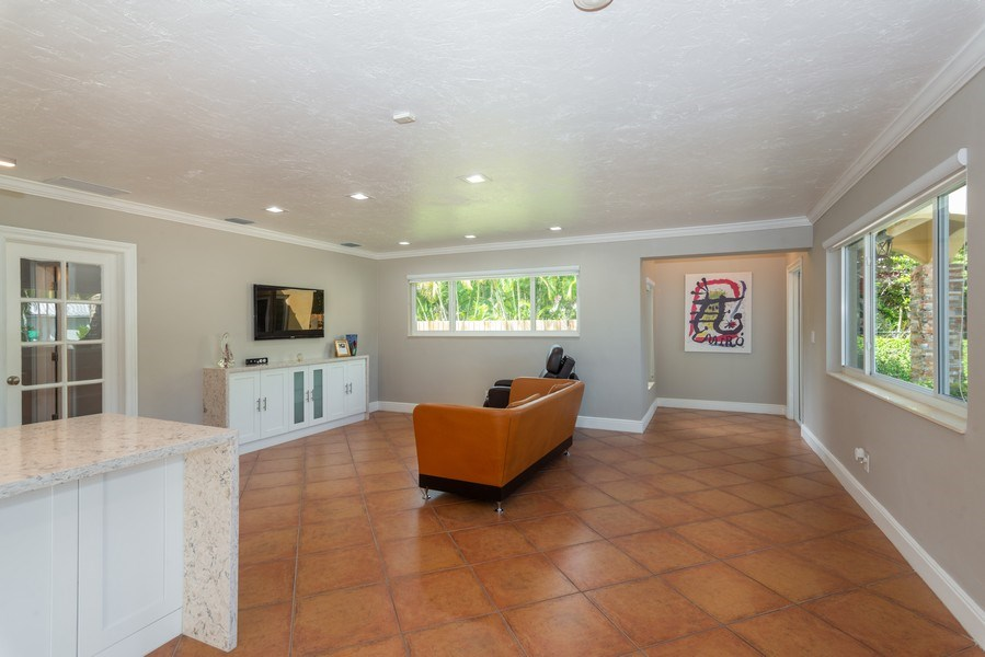Real Estate Photography - 7505 SW 139th St, Palmetto Bay, FL, 33158 - Foyer/Living Room