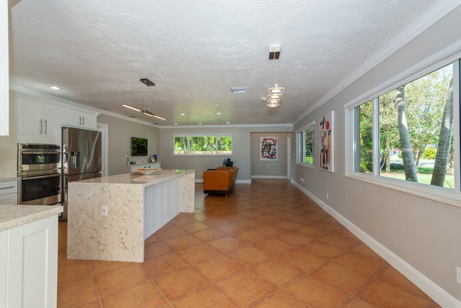 Real Estate Photography - 7505 SW 139th St, Palmetto Bay, FL, 33158 - Great Room