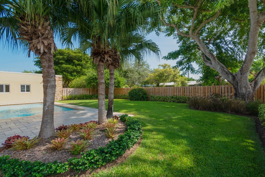Real Estate Photography - 7505 SW 139th St, Palmetto Bay, FL, 33158 - Back Yard