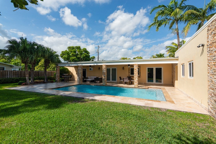 Real Estate Photography - 7505 SW 139th St, Palmetto Bay, FL, 33158 - Pool