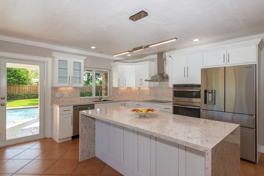Real Estate Photography - 7505 SW 139th St, Palmetto Bay, FL, 33158 - Kitchen
