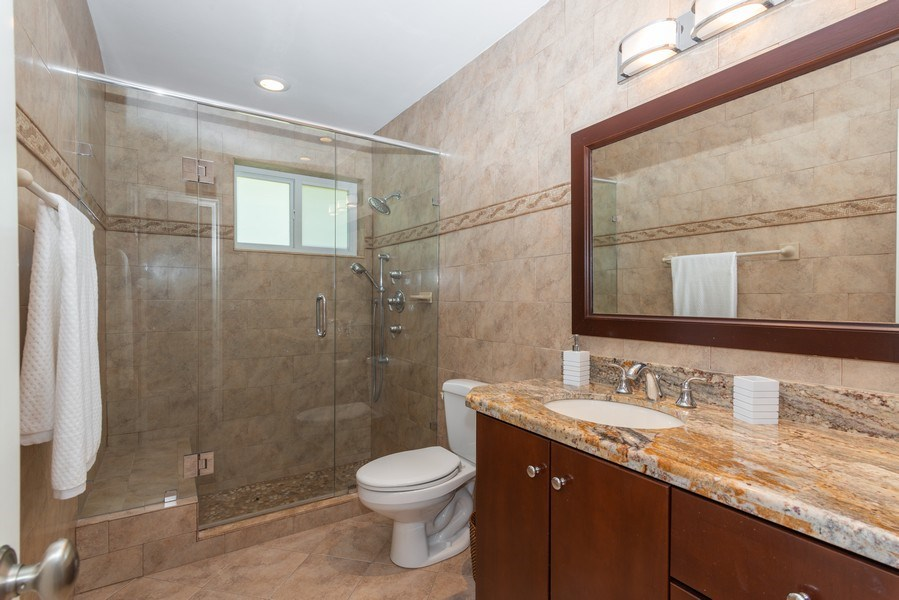 Real Estate Photography - 7505 SW 139th St, Palmetto Bay, FL, 33158 - 2nd Bathroom