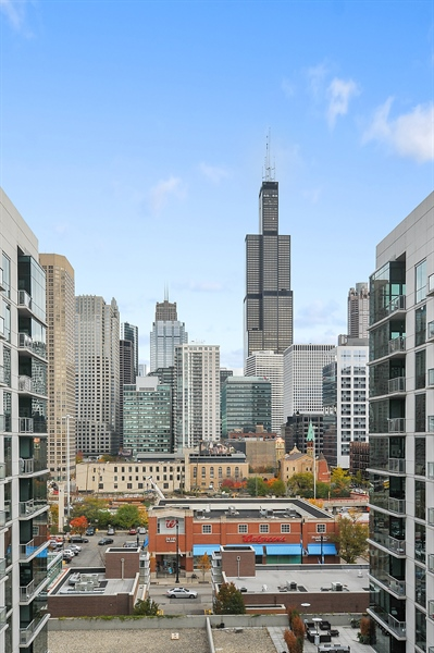 Real Estate Photography - 111 S Peoria St, Chicago, IL, 60607 - View