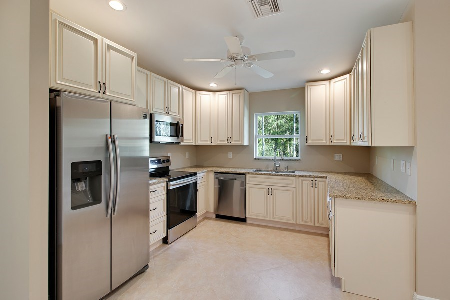 Real Estate Photography - 4093 SW 66th Ave, Palm City, FL, 34990 - Kitchen