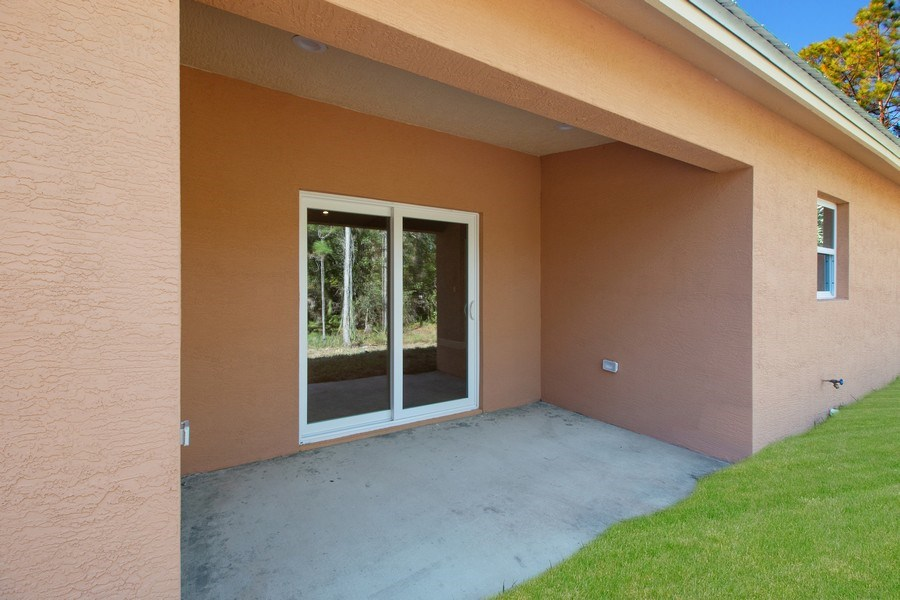 Real Estate Photography - 4093 SW 66th Ave, Palm City, FL, 34990 - Patio