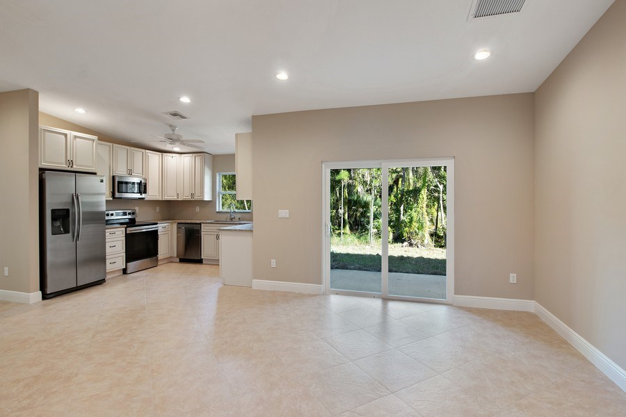 Real Estate Photography - 4093 SW 66th Ave, Palm City, FL, 34990 - Kitchen / Dining Room