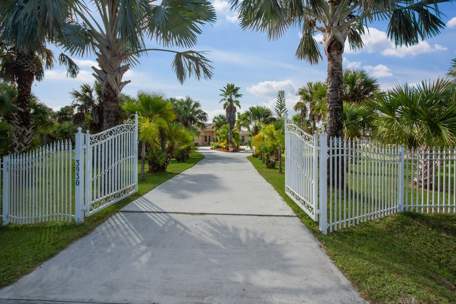 Real Estate Photography - 3930 24th Ave SE, Naples, FL, 34117 - Entryway