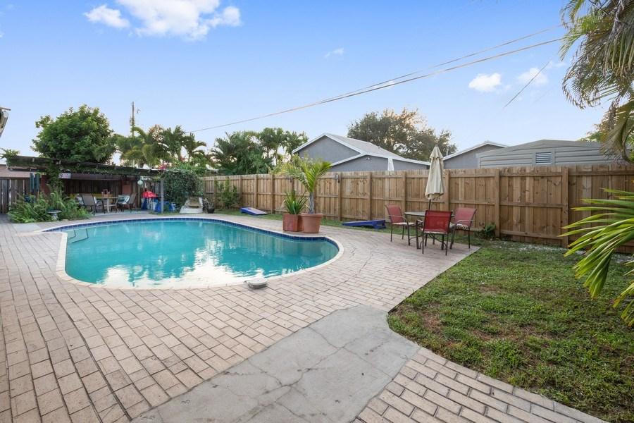 Real Estate Photography - 2741 NE 6th Avenue, Wilton Manors, FL, 33334 - Back Yard