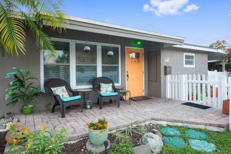 Real Estate Photography - 2741 NE 6th Avenue, Wilton Manors, FL, 33334 - Front View