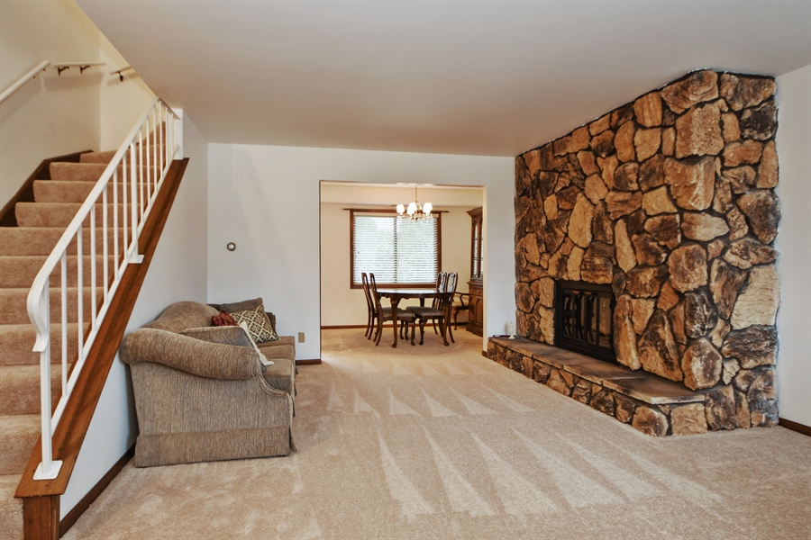 Real Estate Photography - 14304 Clearview Ct, Orland Park, IL, 60462 - Living Room