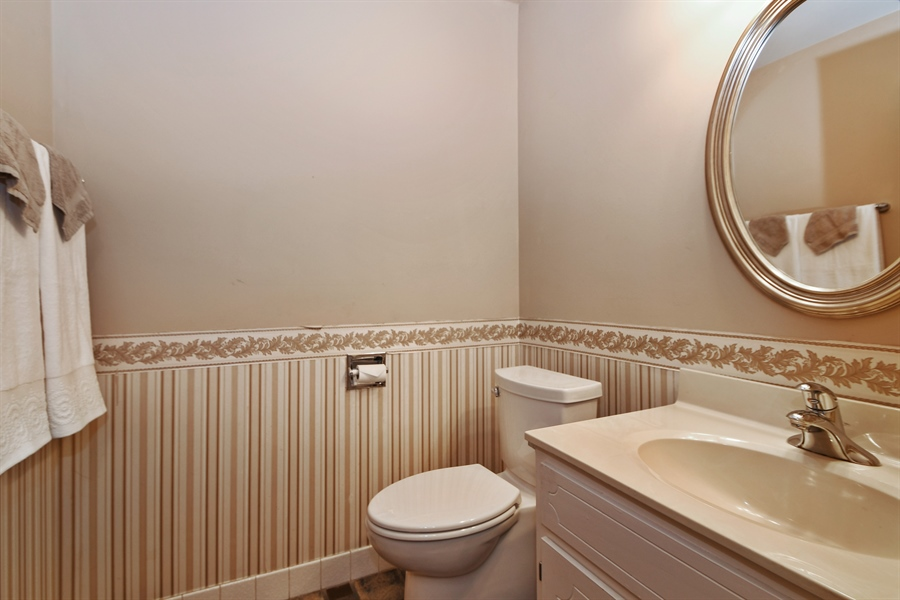 Real Estate Photography - 14304 Clearview Ct, Orland Park, IL, 60462 - Half Bath