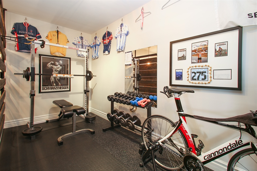 Real Estate Photography - 151 Wing, Unit 706, Arlington Heights, IL, 60005 - Gym