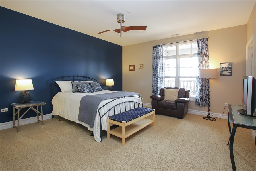 Real Estate Photography - 151 Wing, Unit 706, Arlington Heights, IL, 60005 - Bedroom