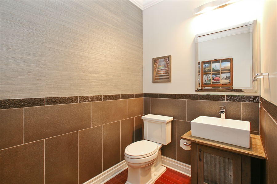 Real Estate Photography - 151 Wing, Unit 706, Arlington Heights, IL, 60005 - Powder Room