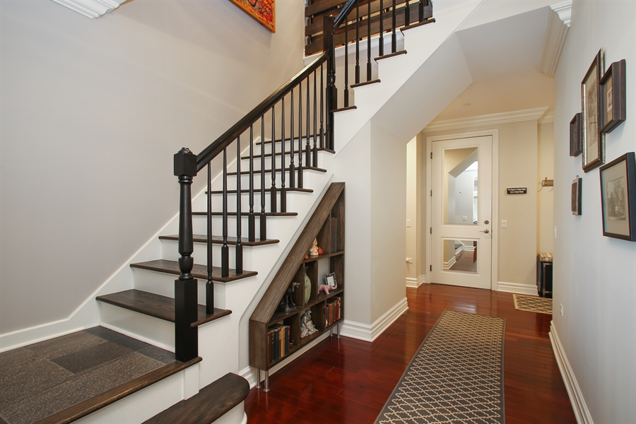 Real Estate Photography - 151 Wing, Unit 706, Arlington Heights, IL, 60005 - Staircase