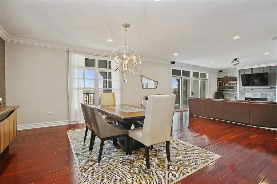 Real Estate Photography - 151 Wing, Unit 706, Arlington Heights, IL, 60005 - Living Room / Dining Room