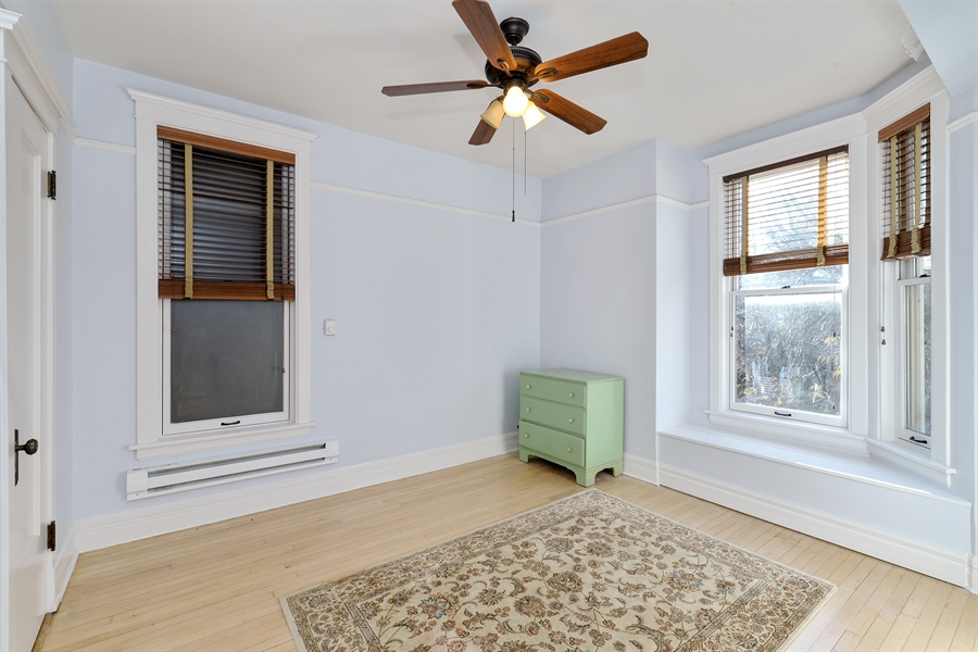Real Estate Photography - 4217 N Winchester Ave, Chicago, IL, 60613 - 2nd Bedroom