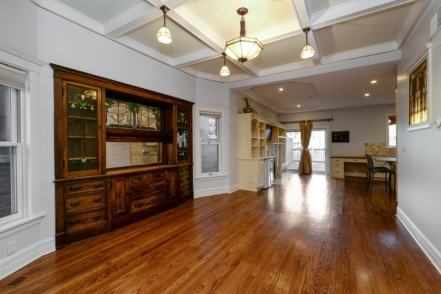 Real Estate Photography - 4217 N Winchester Ave, Chicago, IL, 60613 - Great room