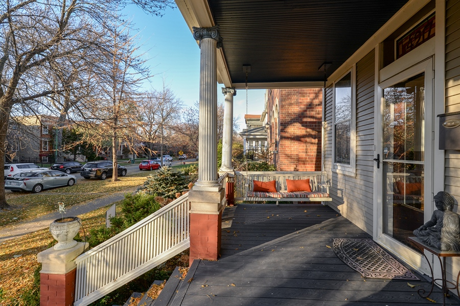 Real Estate Photography - 4217 N Winchester Ave, Chicago, IL, 60613 - Porch