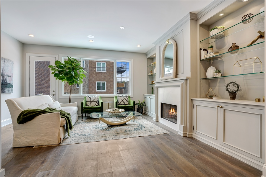 Real Estate Photography - 1906 N Hoyne Ave, Chicago, IL, 60639 - Family Room