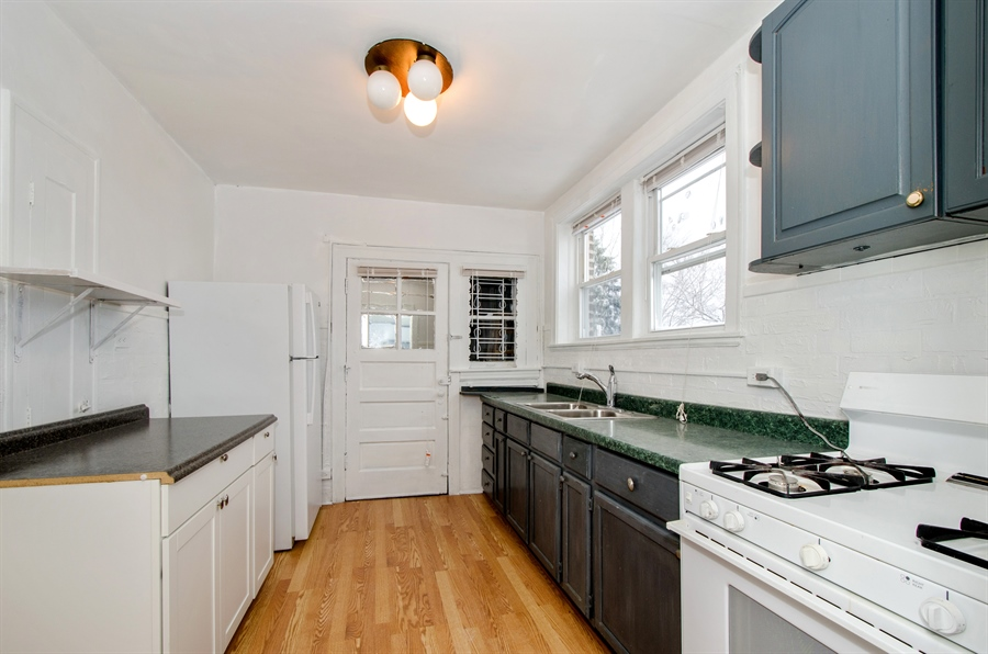Real Estate Photography - 2729 Jarvis, Chicago, IL, 60645 - Kitchen