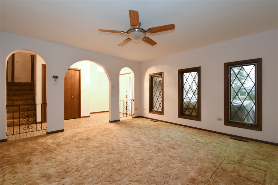Real Estate Photography - 17140 70th Ave, Tinley Park, IL, 60477 - Living Room