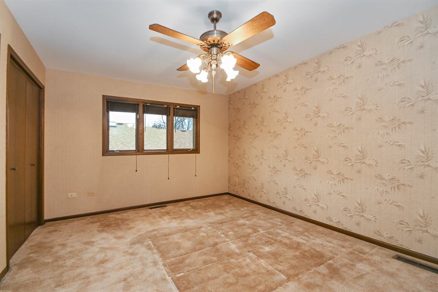Real Estate Photography - 17140 70th Ave, Tinley Park, IL, 60477 - Bedroom