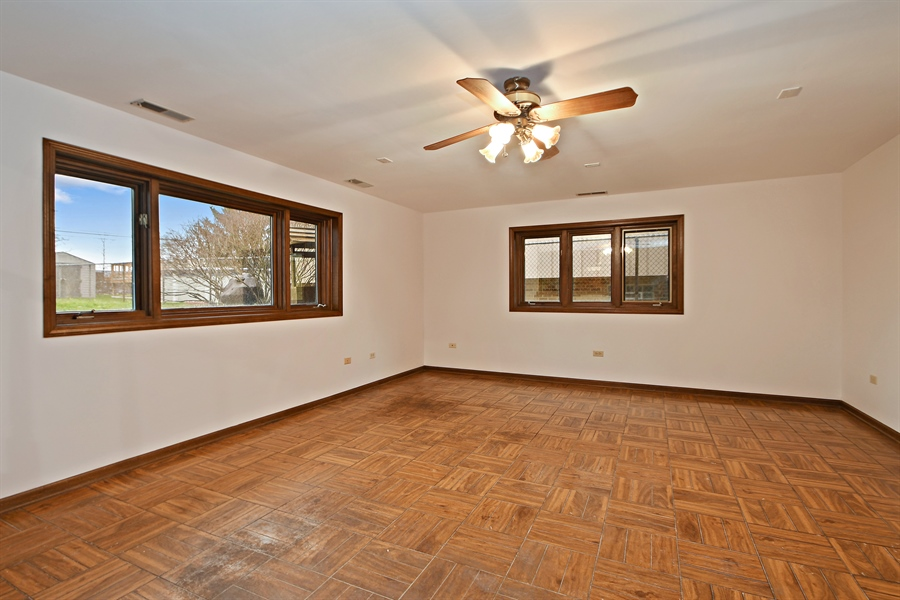 Real Estate Photography - 17140 70th Ave, Tinley Park, IL, 60477 - Family Room