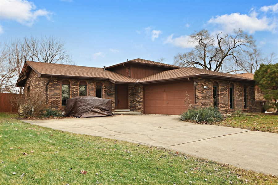 Real Estate Photography - 17140 70th Ave, Tinley Park, IL, 60477 - Front View