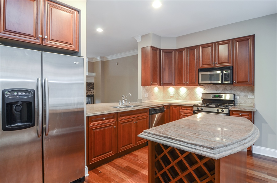 Real Estate Photography - 4325 W Peterson Ave, Chicago, IL, 60646 - Kitchen