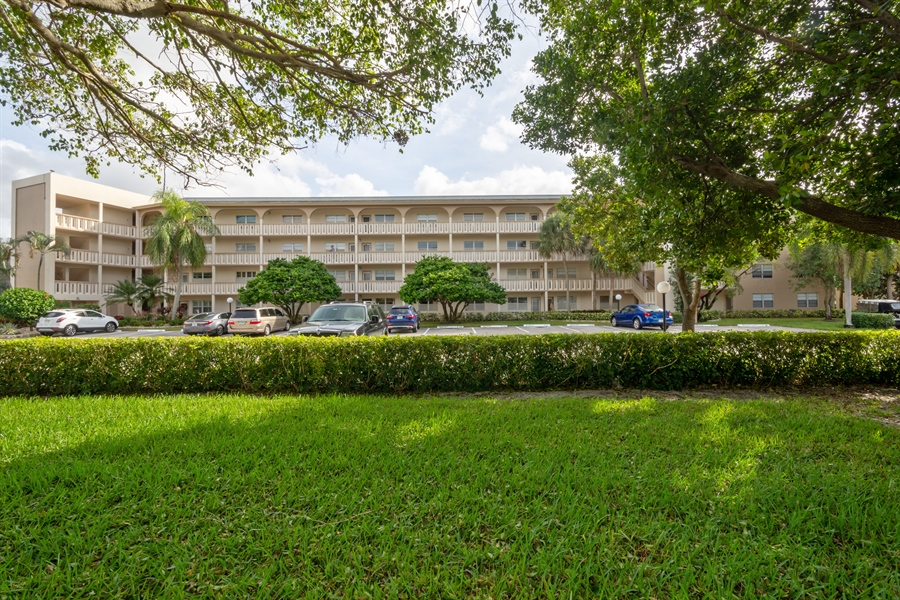 Real Estate Photography - 3004 PORTOFINO  ISLE UNIT #A2, COCONUT CREEK, FL, 33066 -