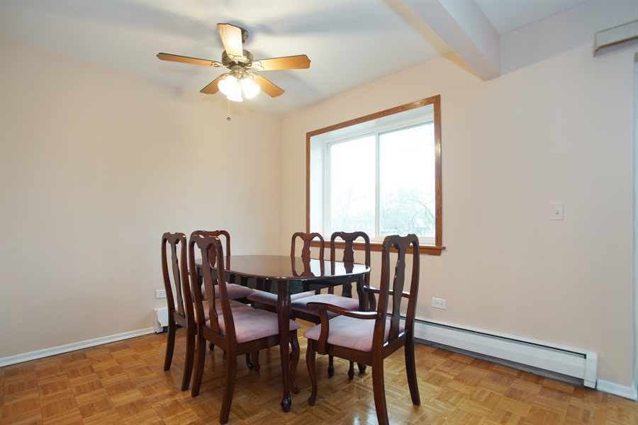 Real Estate Photography - 2420 E Brandenberry CT 2G, Arlington Heights, IL, 60004 - Dining Room