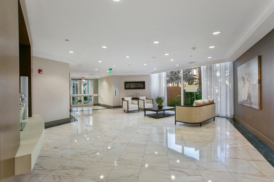 Real Estate Photography - 19333 Collins Ave, Apt 2001, Sunny Isles Beach, FL, 33160 - Main Lobby
