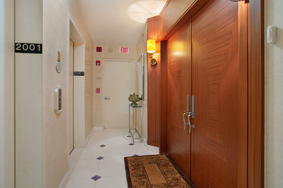 Real Estate Photography - 19333 Collins Ave, Apt 2001, Sunny Isles Beach, FL, 33160 - Residence Private Foyer