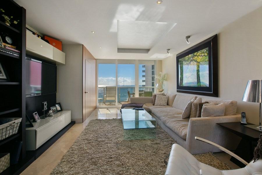 Real Estate Photography - 19333 Collins Ave, apt 1802, Aventura, FL, 33160 - Living Room