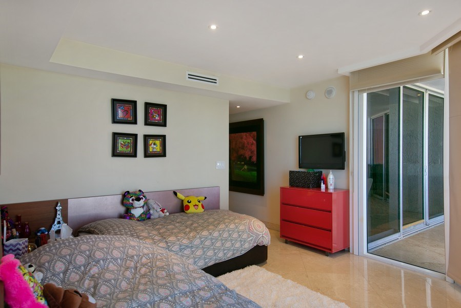 Real Estate Photography - 19333 Collins Ave, apt 1802, Aventura, FL, 33160 - 3rd Bedroom