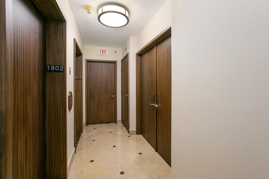 Real Estate Photography - 19333 Collins Ave, apt 1802, Aventura, FL, 33160 - Residence Foyer